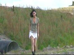 softcore de plein air 18 ans pipi à l'extérieur