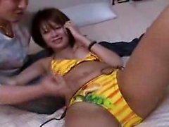 aasialainen tyttö suihin sormitus japanilainen