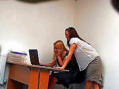 sormitus piilotettu kamerat lesbot