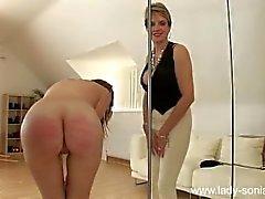 dominatrix selkäsauna rankaiseminen