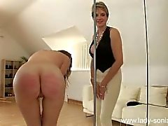 dominatrix palmada punição
