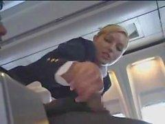 stewardess handjob flugzeug