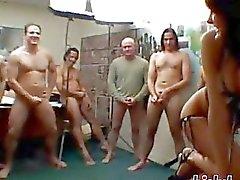 gang bang putas dormitório