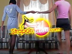 straponcum 3some strapon amarrado
