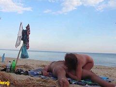 spiaggia grandi tette pompino hd