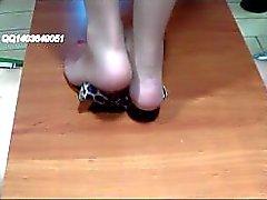 piedi chinese- giochi di piedi tacchi sborrate
