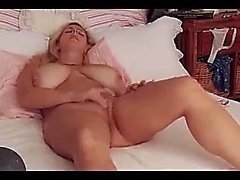 amateur big boobs blondine masturbation