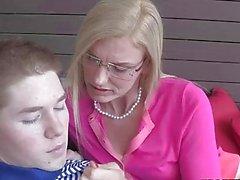 Stepmom Darryl Hannah naughty with teens
