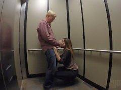 bryci bryci grandi punto tette estremità sborrate ascensore