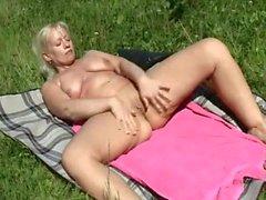 nudez em público grannies threesomes alemão ao ar livre