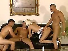 anal bisexuels blond viol collectif