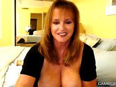 Amazing Mature Teasing On Webcam