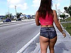 Big butt brunette gets banged