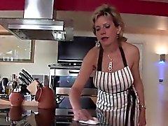 Unfaithful uk milf lady sonia showcases her oversized breast