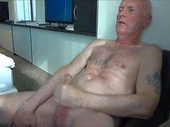 Ulf Larsen - wanking & orgasm!