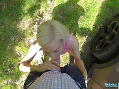amnistie public public public hongrois en dehors du point voir les blondes blondes en plein air le sexe en dehors