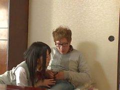 brunetta pompino terzetto giapponese