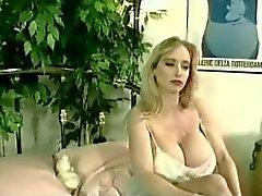 babes grote borsten blondjes tieten wijnoogst