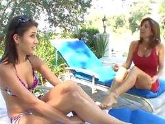 racymomma sexymomma vieux étudiant jeune grand girl seins seins gros seins lesbienne