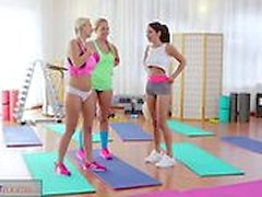 Fitness Rooms Big boobs lesbians in hot threesome