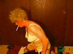 HOT SMOKIN' DILDO FUCKIN' GRANNY
