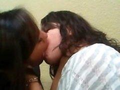 amatör brunett lesbisk mjukporr