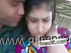 coppia adolescente indiano