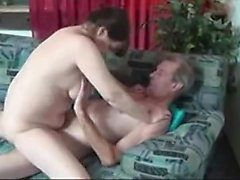amateur gros seins pipe brunette doggystyle