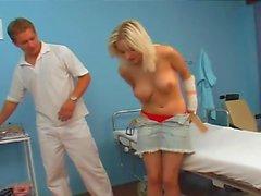 blondinen big boobs big natural tits arzt