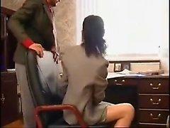 любительский минет брюнетка мастурбирует
