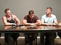 Cumshot loving bear in muscle group gets bukkake