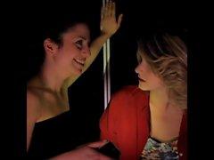 lésbicas bissexuais italiano beijando elevador