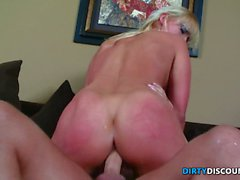 Curvy milf tastes before riding cock