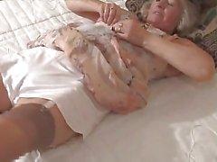 grannies lingerie masturbatie rijpt