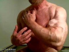 jockmenlive muskel -daddy tom-lord bodybuilder biegen