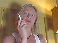 mamá pliegue - ashtray humana pov femdom