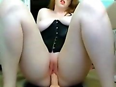 dilettante brunetta masturbazione assolo giocattoli