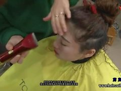 adolescente kink giovane fetish headshave headshave breve haircut