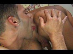 arbetar rum muntlig slickande röv pounding tatuerad stud stor dick ridning cock anal