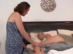 Stepmom sixtynines stepdaughter in taboo duo
