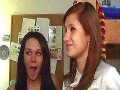 menina da faculdade sexo em grupo hardcore jovem amador