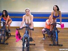 rose monroe latina gruppe hintern venezuelan big brüste alte fitness