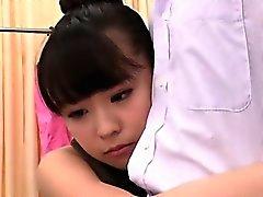 asiático bebé digitación duro