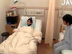 japanse amateur drietal kleine tieten tiener