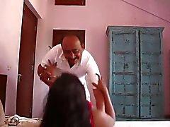 смешной индийский массаж