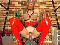 Bobbie pumping her breast