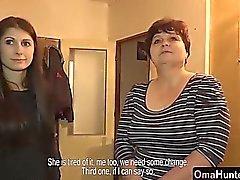 brunetta tastare nonna lesbica leccare