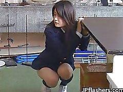 solo meisje aziatisch publiek