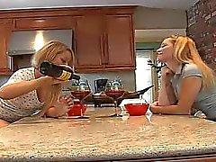 babes humalassa lesbo blondi