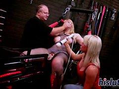 big boobs blondine gruppen-sex masturbation spielzeug